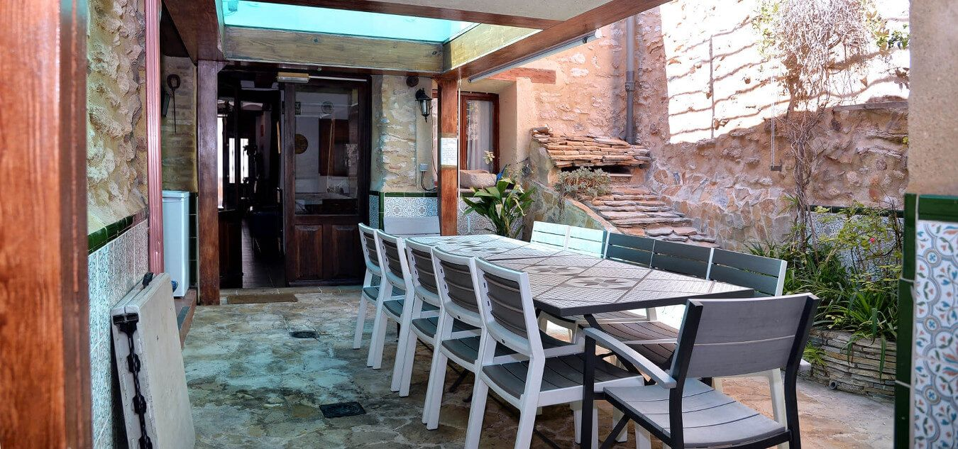 Courtyard under the pool - Country house Palomar - El Palomar, Valencia (Spain)