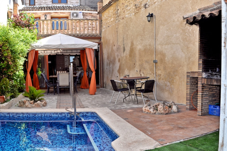 Courtyard with pool - El Xop Country House - El Palomar, Valencia (Spain)